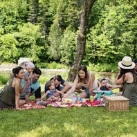 Tips for enjoying a family picnic this fall