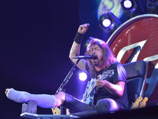 FOOFIGHTERS20TH#2