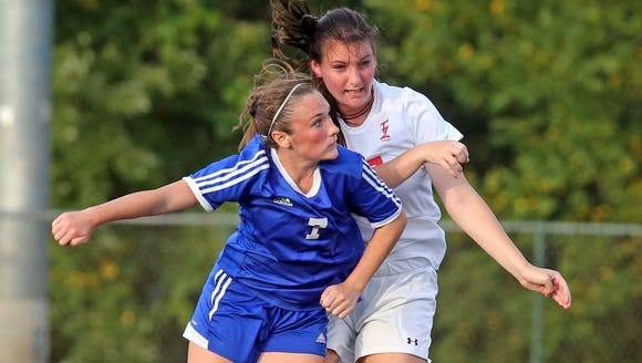 Pearl River's Kate McNally (7) and Tappan Zee's Madison