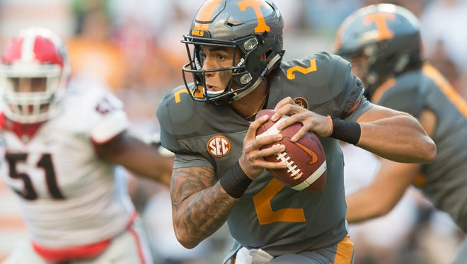 Tennessee quarterback Jarrett Guarantano (2) looks to pass during the Tennessee Volunteers vs. Georgia Bulldogs game at Neyland Stadium in Knoxville, Tennessee on Saturday, September 30, 2017.