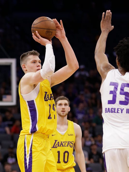 moritz wagner summer league debut includes posterizing dunk