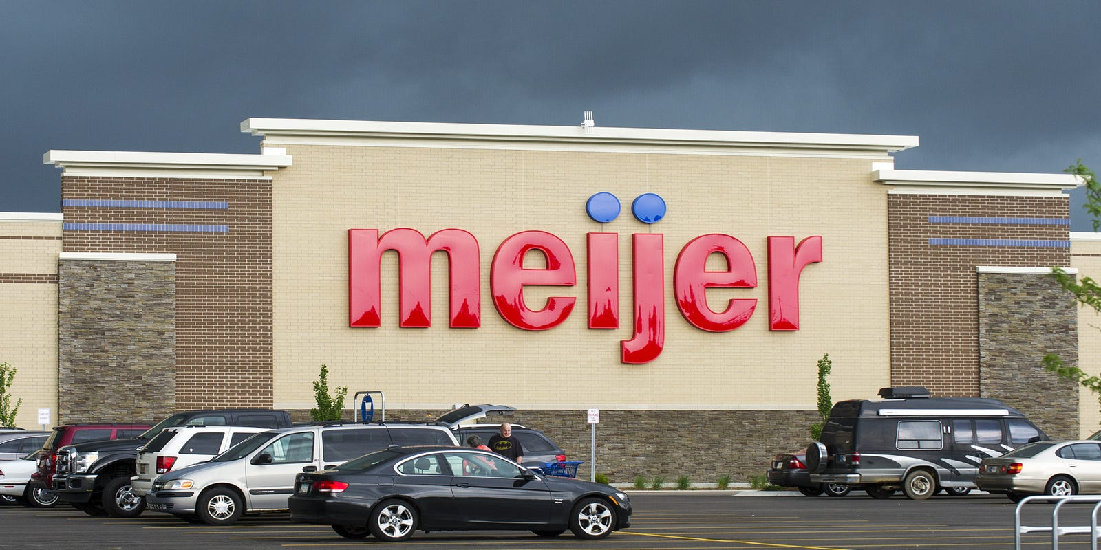 Meijer Hours Christmas Eve 2019.Sheboygan Meijer Opening Moved To 2019