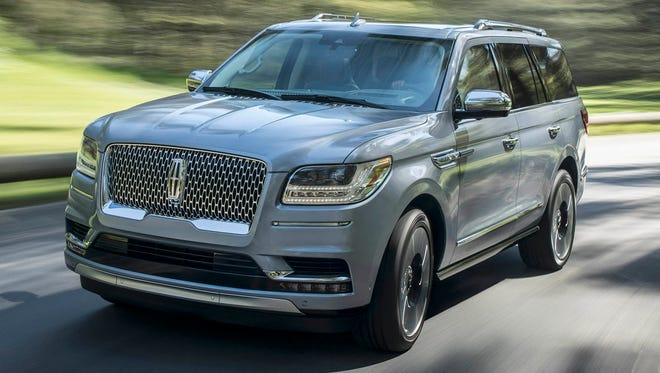 The 2018 Lincoln Navigator offers six distinct selectable drive modes for confidence, exhilaration and control in a variety of driving conditions.