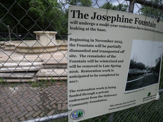 Components of the Josephine Fountain, a centerpiece