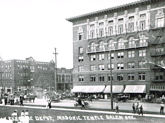 The Masonic Building is seen during the 1910s. The Hubbard Building is on the left. Both buildings were constructed in 1912.