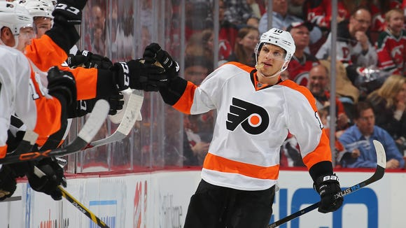 Brayden Schenn will return to the lineup Thursday night against the Ducks.