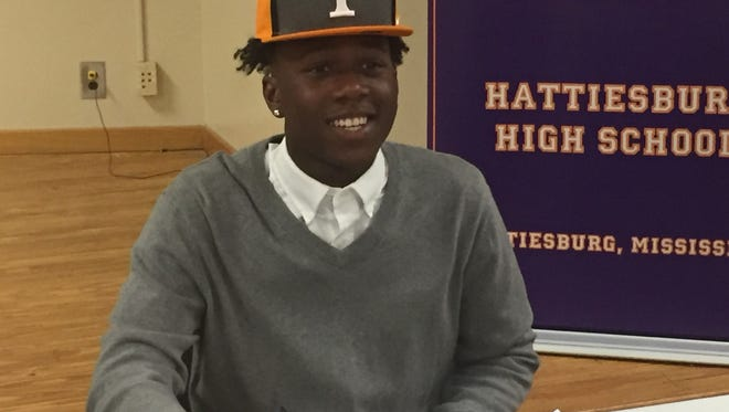 Hattiesburg wide receiver Jordan Murphy signs with Tennessee.
