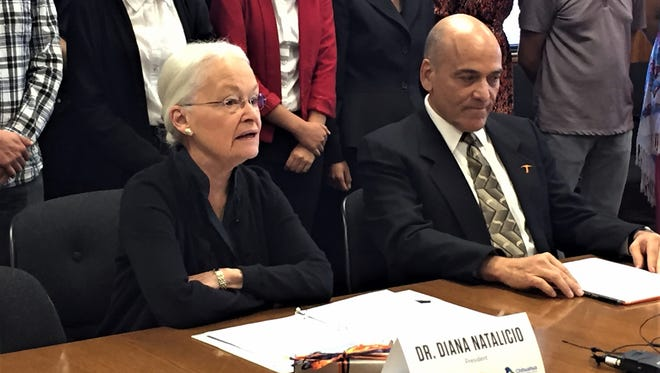 University of Texas at El Paso President Diana Natalicio and Chihuahua state Secretary of Education Pablo Cuaron on Monday signed an agreement extending a scholarship program between the university and the Mexican state.