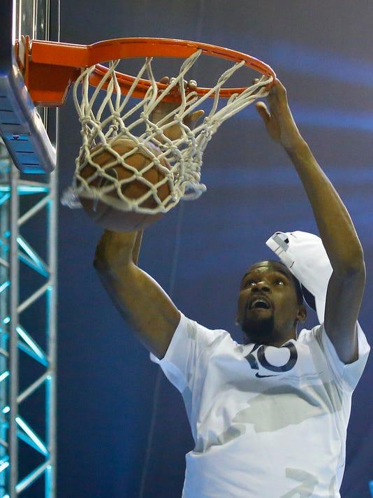 AP PHILIPPINES NBA KEVIN DURANT I BKB PHL