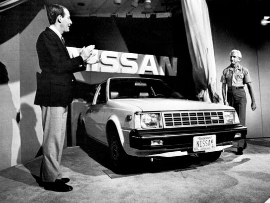 Tennessee Gov. Lamar Alexander, left, and Nissan USA