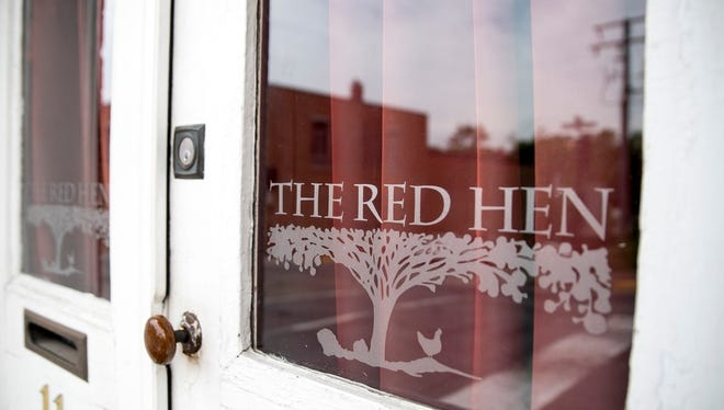"June 26, 2018 -- Lexington, VA, U.S.A -- Sarah Huckabee Sanders was unceremoniously evicted from the Virginia restaurant The Red Hen as the divisive debate over ""zero tolerance"" immigration policy and other issues spill into the everyday lives of the people who promote them."