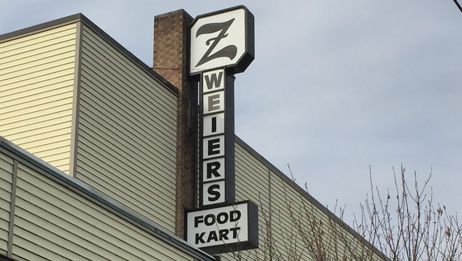 Zweier's FoodKart, 505 S. Lincoln Ave., reopens Wednesday, Dec. 20, 2017 under the management of former owner Gary Gristick.
