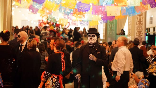 Latino Memphis will hold a Day of the Dead (Día de los Muertos) Fiesta fundraiser at the Cadre Building in Downtown Memphis.