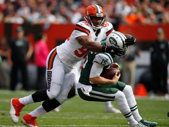 Cleveland Browns defensive end Myles Garrett, left,