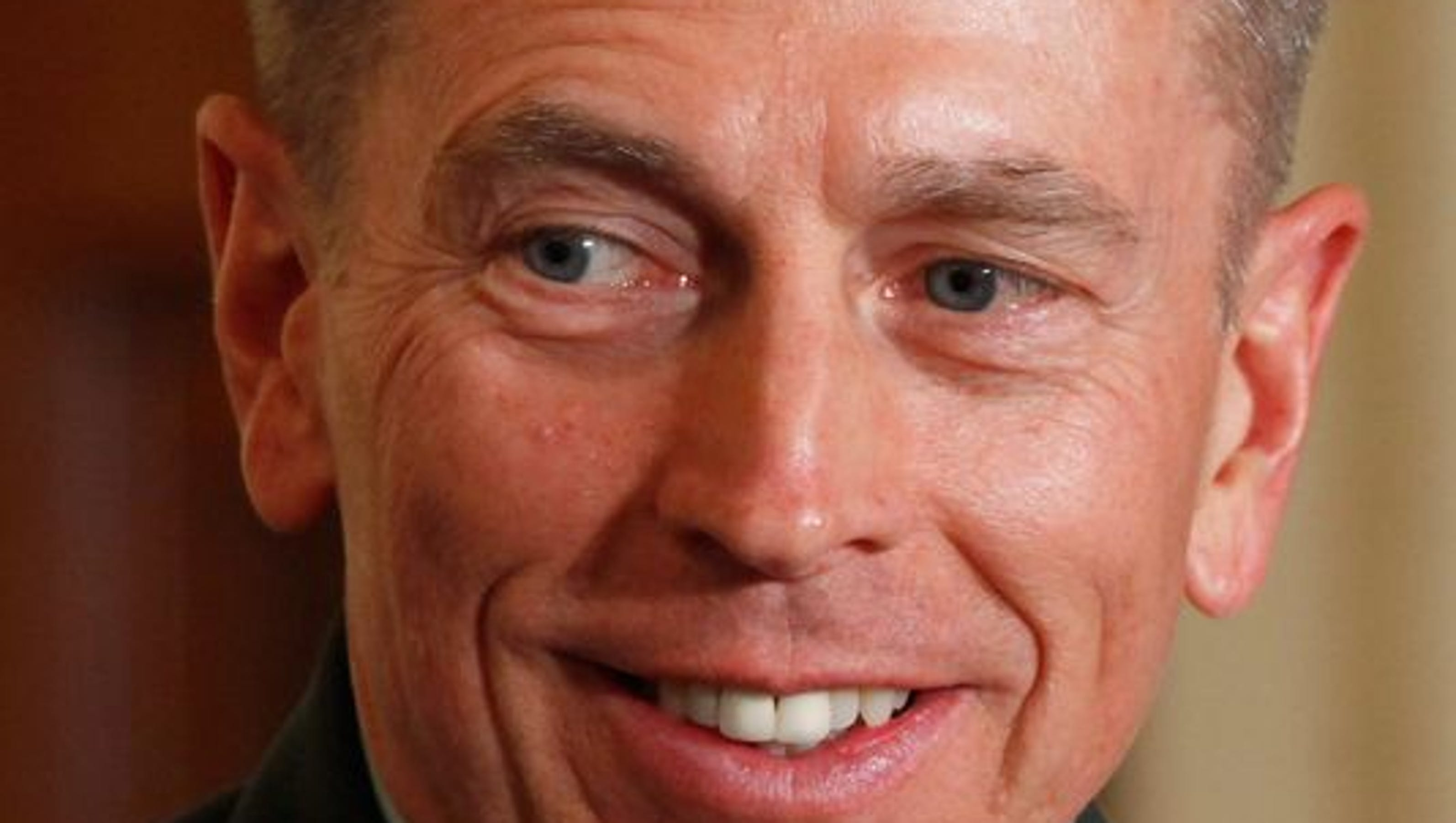 Criminal charges recommended against Petraeus