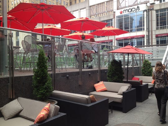 A small piazza above the entrance to the Fountain Square parking garage gives Via Vite another outdoor area.