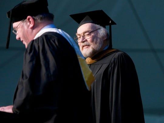 Professor of Art Emeritus Robert Hess at Willamette University's graduation ceremony.