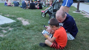 "Downtown Appleton becomes a nighttime ""Pokemon GO"" hot spot"