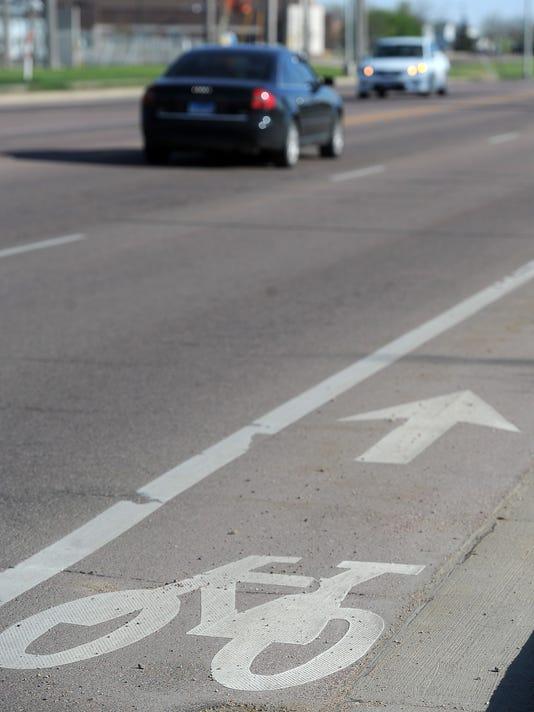 Shared lane marking
