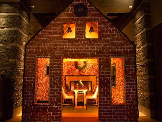 Dine-in gingerbread house at the Dove Mountain Ritz Carlton