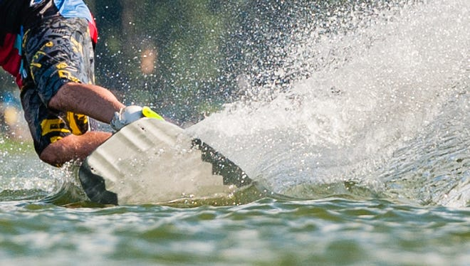 Oregon legislators want a study of impacts of wakeboarding on the Willamette River.