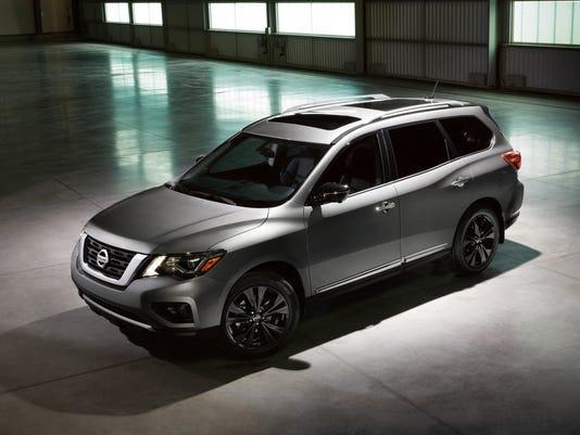 636222326270066316-2017-Nissan-Pathfinder-Midnight-Edition-01.jpg