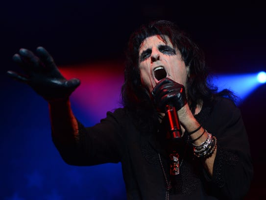 Alice Cooper at the Shreveport Municipal Auditorium