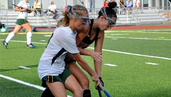Lakeland's Sarah Bussell (l) and Mamaroneck's Erin