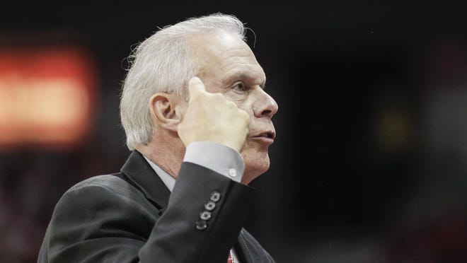 Wisconsin coach Bo Ryan talks with his team during the first half of an NCAA college basketball game against Western Illinois on Friday in Madison.