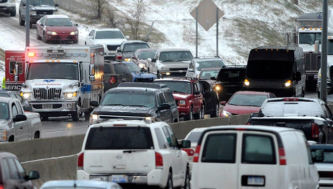 Of the Michigan travelers, 3.17 million will be traveling by car and 190,400 by airplane between Dec. 23 and Jan. 1. (Todd McInturf / The Detroit News)2014.