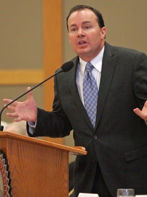 U.S. Sen. Mike Lee addresses the crowd Saturday, Feb. 15, 2014, at the Lincoln Day Breakfast at Dixie State University.