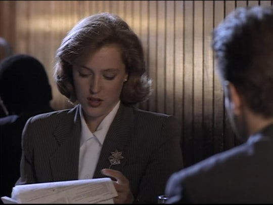 """Gillian Anderson and David Duchovny in the original 4x3 version of """"Deep Throat,"""" the second episode of """"The X-Files."""""""