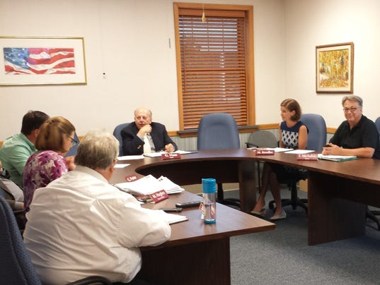 Elm-Grove-finance-committee.jpg