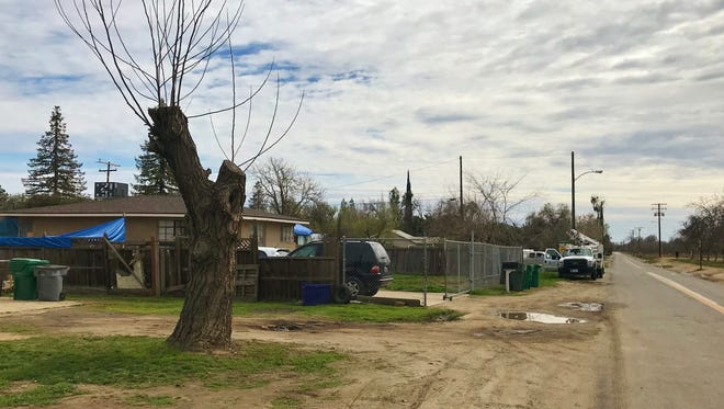 Tulare County sheriff's detectives are investigating a shooting that sent one woman to the hospital.