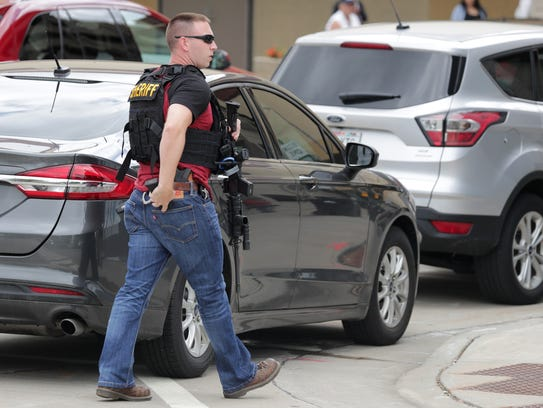 Police respond to downtown Appleton early Thursday