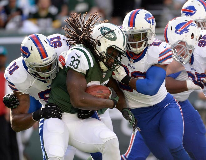 The New York Jets defeated the Buffalo Bills 27-20 Sunday.