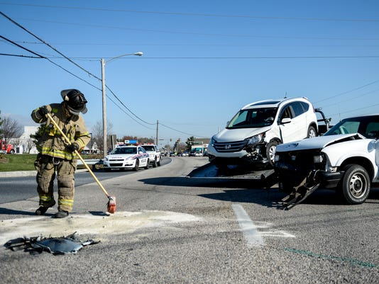LDN-JML-112415-city-crash