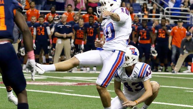 Louisiana Tech kicker Jonathan Barnes boots a 32-yard field goal with 10 seconds left to secure a win over UTSA.