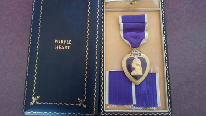 Should wearing this medal if you didn't earn it be legal?