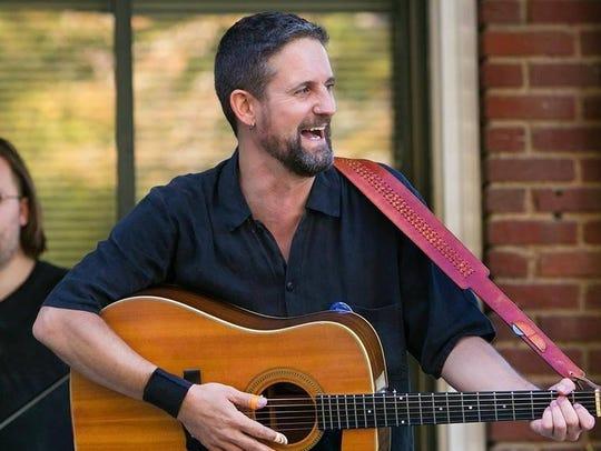 Singer-songwriter Bert Scholl will perform Thursday