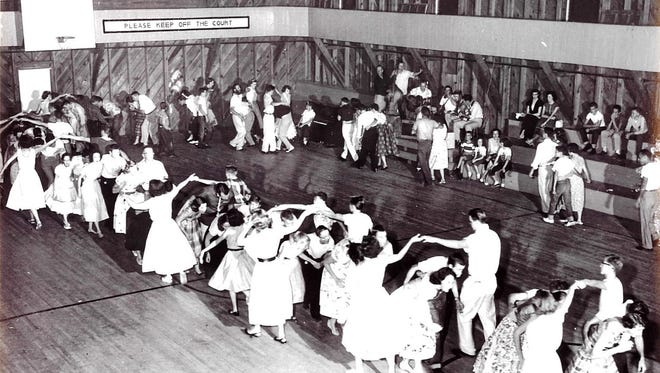 Photo of the Saluda Square Dance in 1954 or 1955.