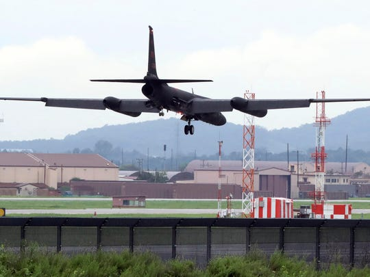 A U.S. Air Force U-2 spy plane prepares to land at the Osan U.S. Air Base in Pyeongtaek, South Korea on Aug. 21, 2017. U.S. and South Korean troops kicked off their annual drills Monday that come after U.S. President Donald Trump and North Korea exchanged warlike rhetoric in the wake of the North's two intercontinental ballistic missile tests last month.