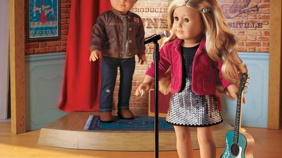 tenney-and-logan-on-stage-2-ds-lr