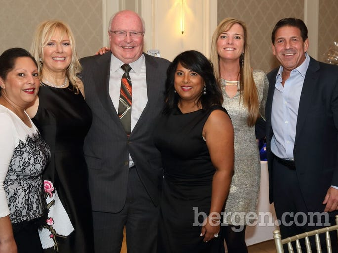 Sabrina Sileo; Denise O'Connor; Bill O'Connor; Andrea DeLuca; Ellen Wugneux; Jeff Wuagneux (Photo by Seth Litroff)