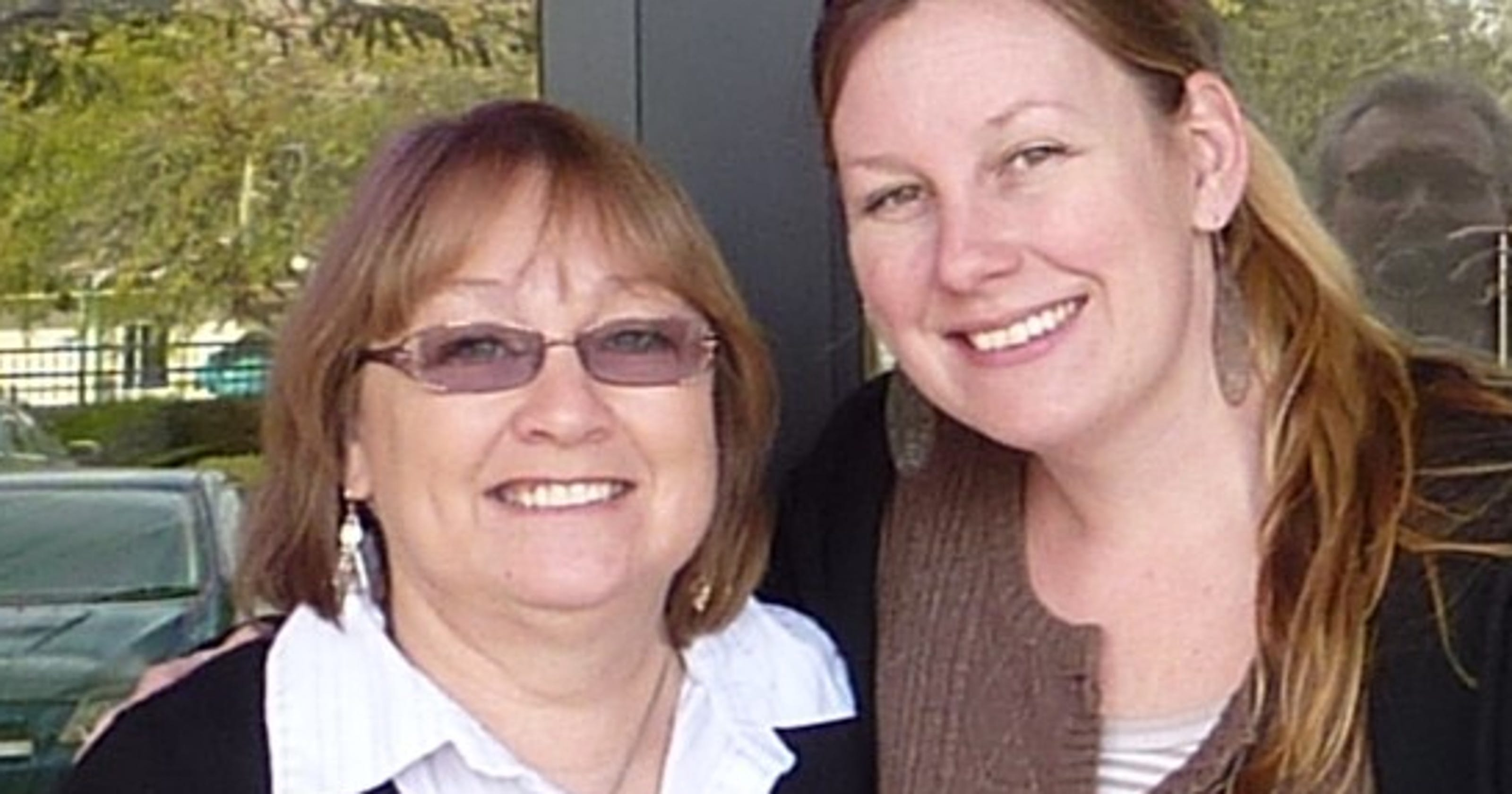 Mom Daughter Duo Run Peoria Consignment Shop