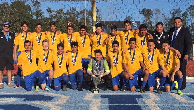 Oxnard Wave FC Boys 2000/U17 won the prestigious Nomads Coaches Showcase Soccer Tournament last weekend in San Diego.