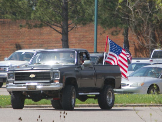 636288166488245073-HHS-car-flags-01.jpg