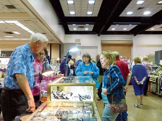 The annual antique show of the Noon Lions was heavily attended over the weekend by locals, seasonal residents and visitors to Ruidoso.