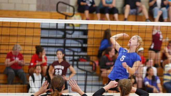 Mamaroneck takes on Dobbs Ferry during the Scarsdale volleyball tournament at Scarsdale High School on Saturday, September 17, 2016.