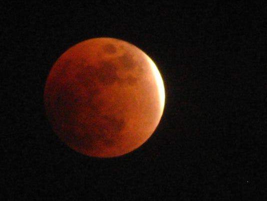 635786052751813255-lunar